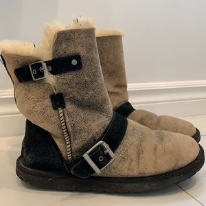 Ugg Short Boots Size US 9